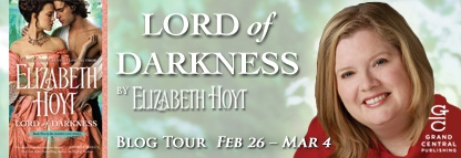 Spotlight & Giveaway: Lord of Darkness' by Elizabeth Hoyt