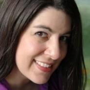 Spotlight & Giveaway: It Happened Under the Mistletoe by Valerie Bowman